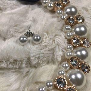 Jewelry - 🆕 Pearl stud earrings